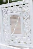 Красивые чувствительные детали и внутреннее художественное оформление для дома и украшать зону фото, рамки, шарики, бутылки, сумк Стоковые Изображения RF