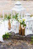 Красивые чувствительные детали и внутреннее художественное оформление для дома и украшать зону фото, рамки, шарики, бутылки, сумк Стоковое Изображение
