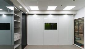 Красивые шкафы раздвижной двери Стоковые Изображения RF