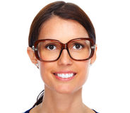 Красивые eyeglasses молодой дамы нося Стоковое Изображение