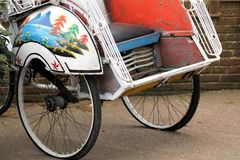 Красивые ornately украшенные место и колеса велосипеда рикши Стоковое фото RF