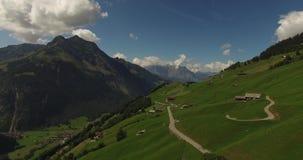 Красивый ландшафт горы, высокогорная дорога, Швейцария сток-видео