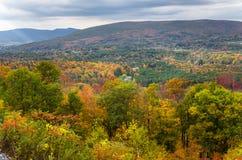 Красивый ландшафт горы в падении Стоковые Изображения RF