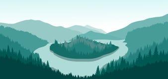 Красивый ландшафт горы с зеленым островом на реке горы Стоковое фото RF