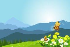 Красивый ландшафт горы с цветками и бабочками Стоковое Изображение RF