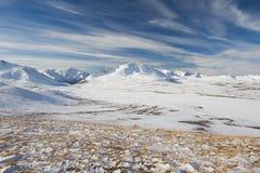 Красивый ландшафт зимы, горы Россия Altai Стоковые Изображения RF
