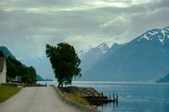 Красивый ландшафт Норвегии на лете Стоковые Изображения RF