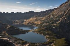 Красивый ландшафт озера горы высокие tatras Польша Стоковое Изображение RF