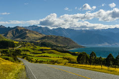 Красивый ландшафт дороги на западном побережье Новой Зеландии Стоковое фото RF