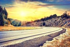 Красивый ландшафт осени с curvy дорогой Стоковое фото RF