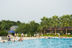 красивый бассейн в тропическом курорте Стоковое Фото