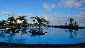 Красивый бассейн на сумраке Стоковое Изображение