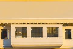 Красивый балкон блока квартир Стоковые Изображения