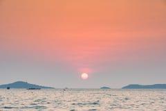 красивый большой заход солнца солнца стоковое изображение