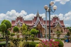 Красивый буддийский комплекс Pha который Luang в Вьентьян, Лаосе стоковое фото