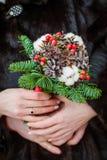 Красивый букет свадьбы в руках невесты Стоковые Фотографии RF