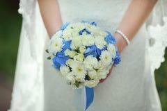 Красивый букет свадьбы с голубой тенью Стоковые Фотографии RF