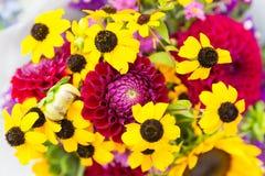 Красивый букет цветка осени на рынке фермеров Стоковое Изображение RF