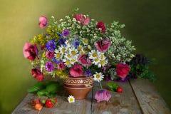 Красивый букет wildflowers Стоковая Фотография RF