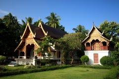 Красивый буддийский висок в Чиангмае, Таиланде Стоковое Изображение