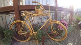 Красивый велосипед для внутреннего художественного оформления стоковое изображение