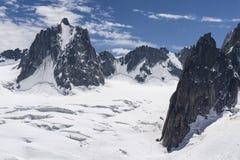 Красивый величественный пейзаж массива Монблана французско стоковое фото rf