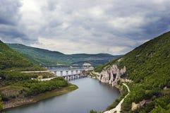 Красивый взгляд ландшафта clifs, мостов и ориентир ориентиров стоковое изображение rf