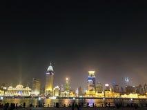 Красивый взгляд ночи в Шанхае стоковое фото
