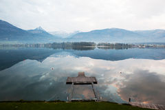 Красивый взгляд берега озера Стоковая Фотография RF