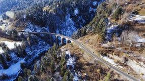 Красивый виадук в Швейцарии, виде с воздуха Стоковое Изображение RF