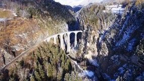 Красивый виадук в Швейцарии, виде с воздуха Стоковое Изображение