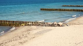 Красивый вид Балтийского моря Пляж и камни Königsberg стоковые фотографии rf