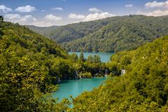 Красивый вид в национальном парке озер Plitvice Хорватия стоковые изображения