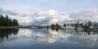 Красивый вид горизонта Ванкувера Стоковые Изображения