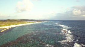 Красивый вид замоков des Pointe, полуостров, большой-Terre, Гваделупа, Вест-Индия видеоматериал