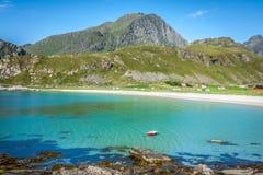 Красивый вид к пляжу Eggum в Норвегии, островах Lofoten Стоковая Фотография