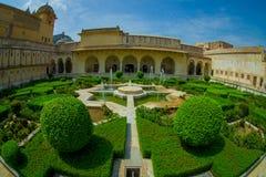 Красивый вид сада янтарного форта в Джайпуре, Индии, влиянии глаза рыб Стоковая Фотография