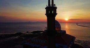 Красивый вид с воздуха захода солнца на Kuala Perlis Малайзии видеоматериал