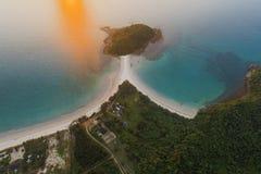 Красивый вид с воздуха пляжа Pantai в Kudat, Малайзии Стоковые Изображения