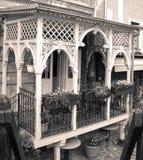 Красивый винтажный балкон старый дом Стоковые Изображения RF