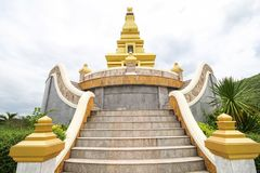 Красивый висок на провинции Nong Bua Lamphu, Таиланде Стоковое Изображение RF