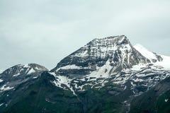 Красивый вид австрийских горных вершин Стоковое Фото