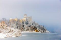 Красивый вид замка Niedzica Стоковые Изображения