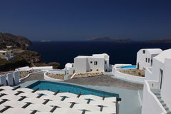 Красивый вид моря в гостинице на острове Santorini Стоковые Фотографии RF