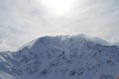 Красивый вид на горах Славный ландшафт гор зимы Стоковые Фотографии RF