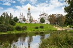 Красивый вид на церков, Ростове Veliky, России Стоковое фото RF