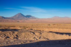 Красивый вид на licancabur вулкана около San Pedro de Atacama, пустыни Atacama, Чили Стоковая Фотография