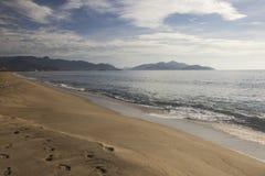 Красивый вид пляжа Caraguatatuba, северного побережья положения Стоковые Фотографии RF