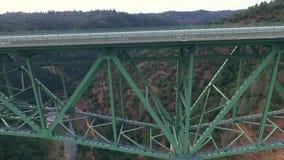 Красивый вид с воздуха моста видеоматериал