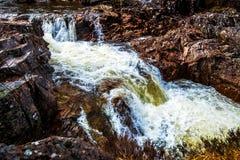 Красивый водопад на реке Etive в гористых местностях Шотландии Стоковая Фотография RF
